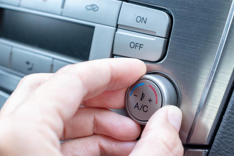 תיקון צינור מזגן לרכב – איך מתמודדים